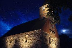 Zum 1070-jährigen Bestehen der Stadt Grabow wurde die Kirche von den Stadtwerken Burg mit langlebigen LED-Leuchten festlich angestrahlt.